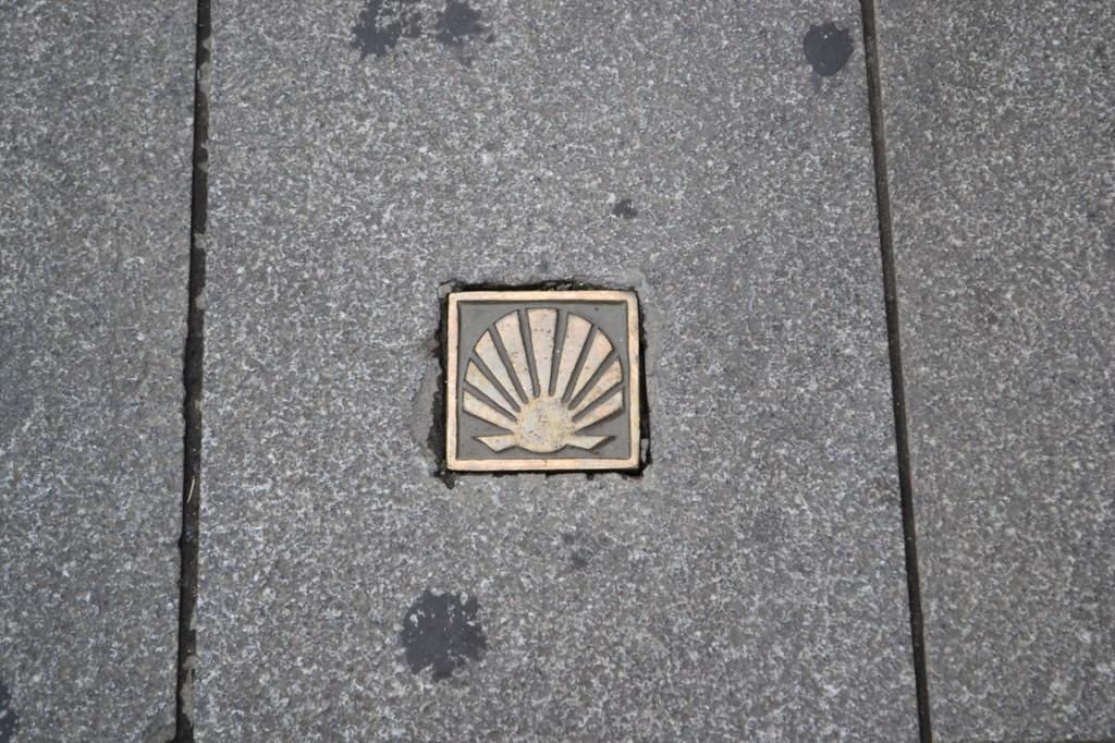 No es Shell, es el símbolo del Camino de Santiago