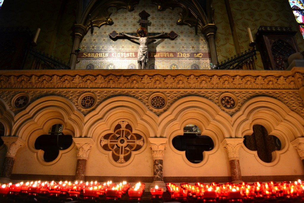 "Iglesia donde se guarda la supuesta ""santa sangre"" de Jesús"