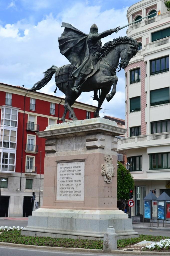 Estatua del Cid, pero la versión en Burgos