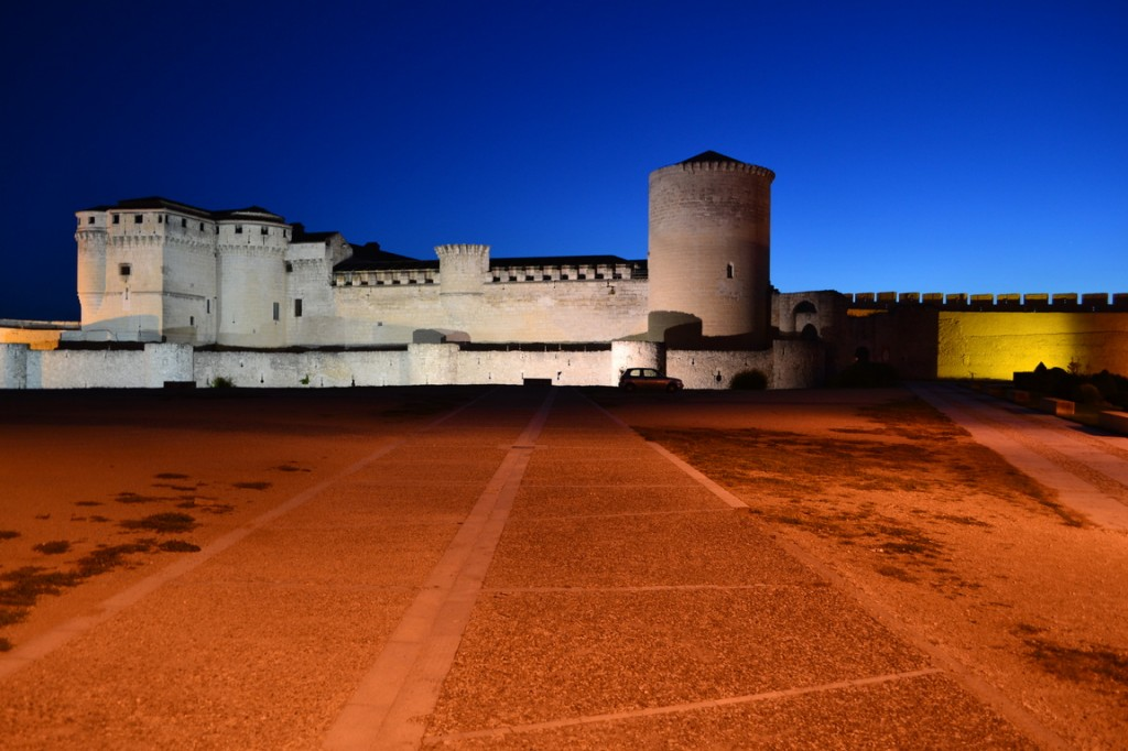 Castillo de Cuéllar, de noche