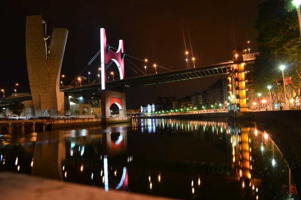 Bilbao, más de noche