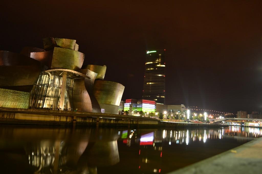 Bilbao, de noche