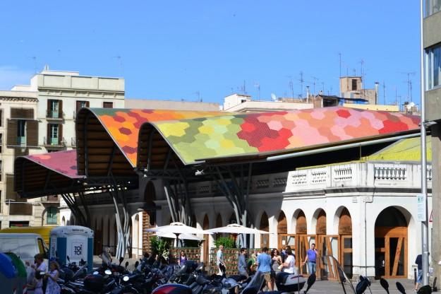 Techo colorido del Mercado de Santa Caterina