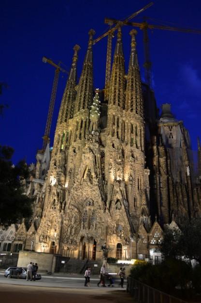 Fachada del Nacimiento por la noche - Sagrada Familia