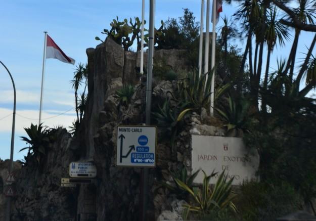 Desvío de la ruta hacia MonteCarlo, Principado de Mónaco