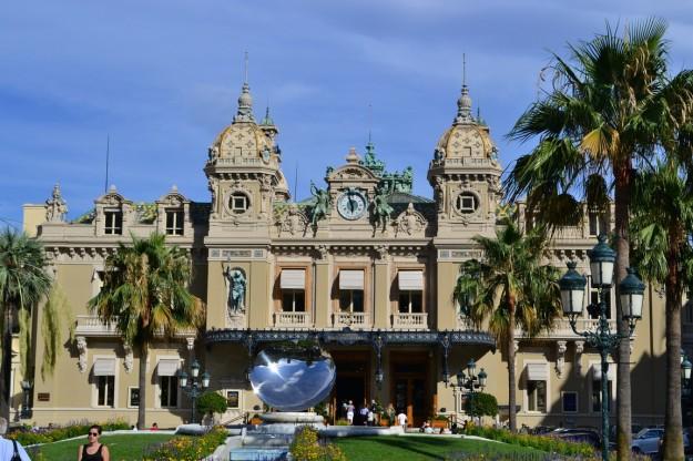 El famoso casino de Montecarlo, Principado de Mónaco