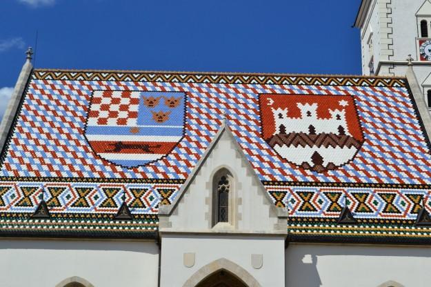 Detalle del techo de la iglesia St Mark, Zagreb