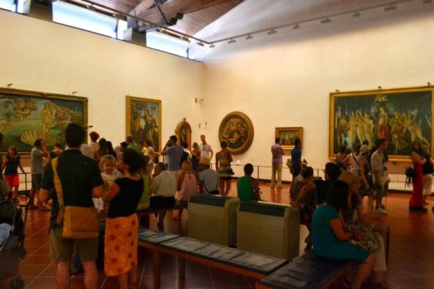 """Nacimiento de Venus"" a la izquierda, ""Primavera"" a la derecha, de Botticelli, Galleria degli Uffizi"