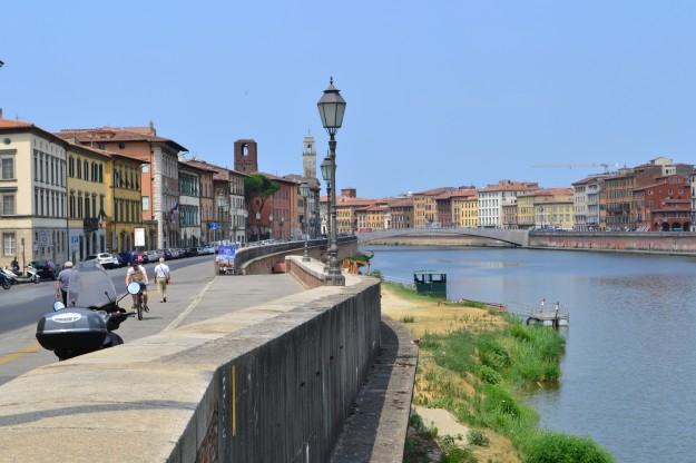 Panorama de del Río Arno a su paso por Pisa