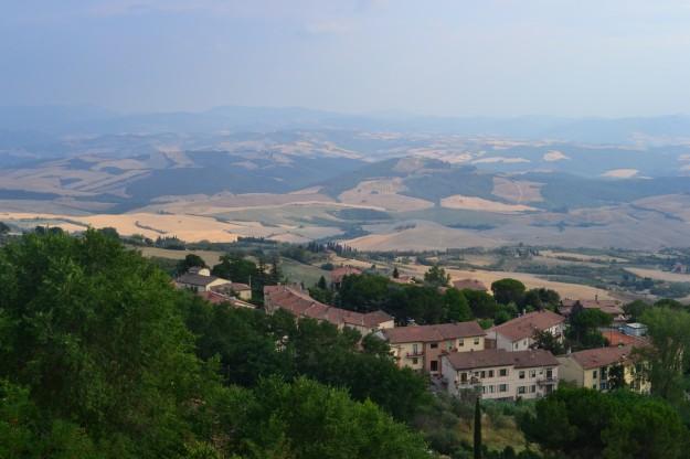 La región de Toscana, desde lo alto de la colina de Volterra