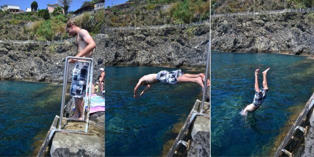 Refrescante clavado en Cinque Terre, ¡aunque de estilo bastante dudoso!