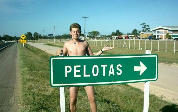 Otra ocasión en donde me puse en pelotas en un viaje... ¡En Pelotas, Brasil! Hace mucho tiempo y hace mucho pelo