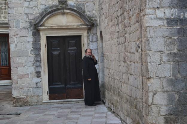 El padre de la Iglesia Ortodoxa de Kotor