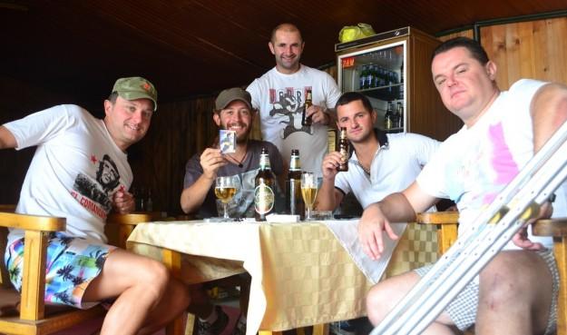 Con los montenegrinos de Cetinje, fanas de Maradona y el Che