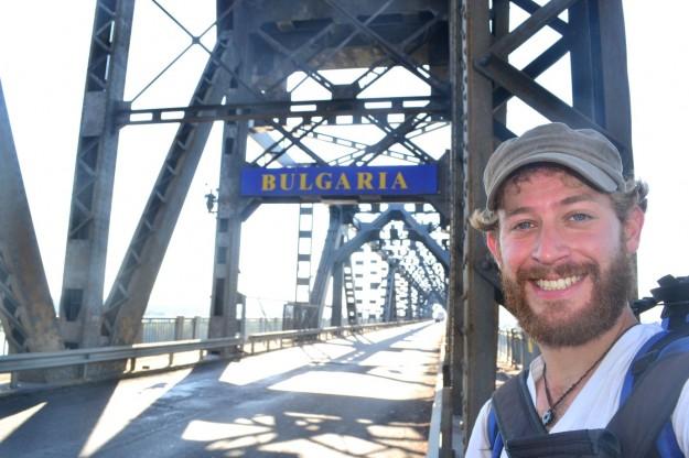 Cansado y con una exageradísima barba, hacía mi entrada triunfal en Bulgaria