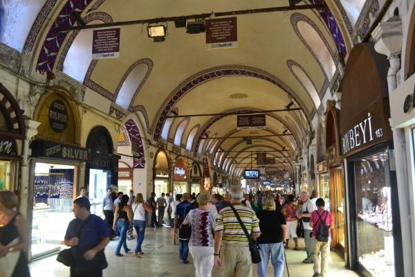 Calle principal del Grand Bazaar de Estambul