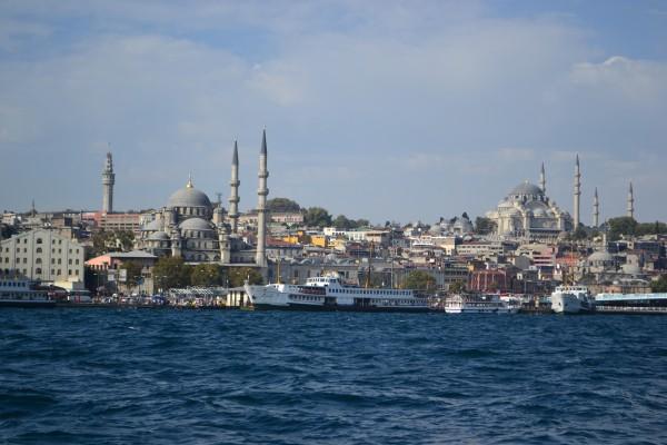 Las mezquitas dan forma a la ciudad, formando el paisaje que se ve desde el Bósforo