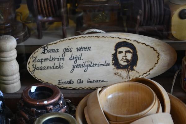 """Artesanías del Che Guevara en un Bazaar turco. ¡El """"Che"""" en todos lados!"""