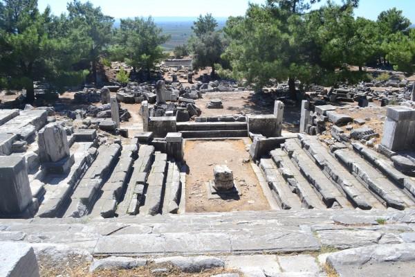 Restos del Bouleuterion, donde se discutían leyes diarias y negocios en Priene