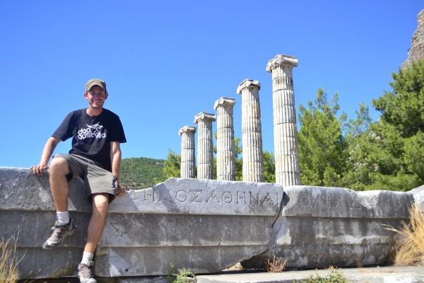 El Templo de Atena en Priene, fundado por Alejandro Magno