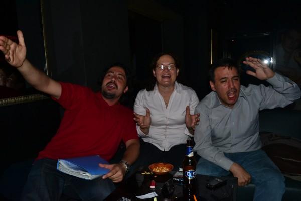 Noche de Karaoke con el grupo local de CouchSurfing en Estambul