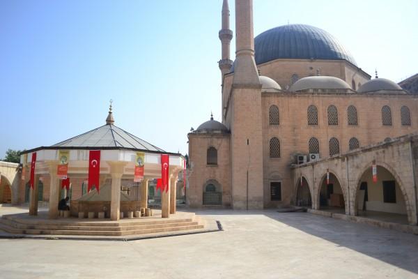 """La mezquita que contiene la """"Cueva de Abraham"""""""