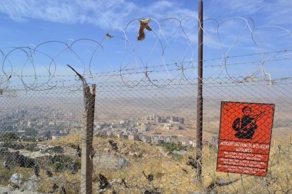 La fortaleza de la cima está dentro de una zona militar con acceso prohibido