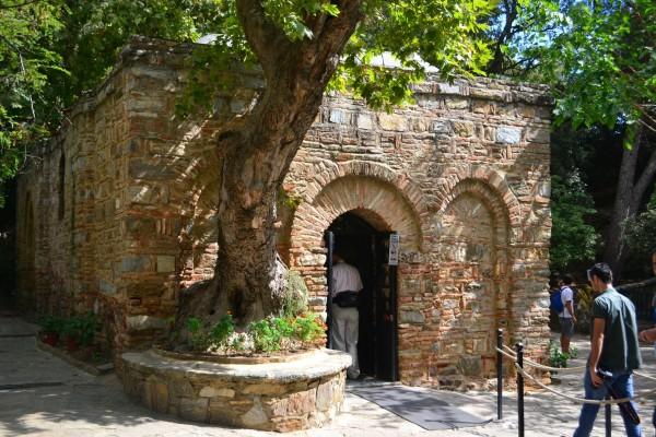 Reconstrucción actual de la supuesta Casa de la Virgen María, en Efeso