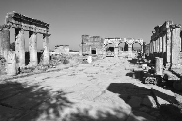 Ruinas de Hierápolis, en la parte superior de Pamukkale