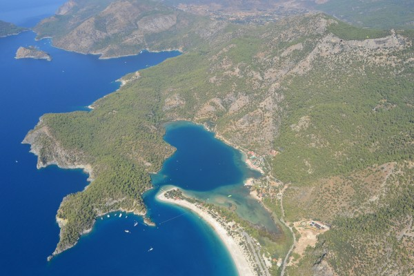 La preciosa playa y laguna azul de Oludeniz