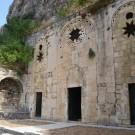Fachada de la Gruta de San Pedro, construida por los cruzados en el s.XII