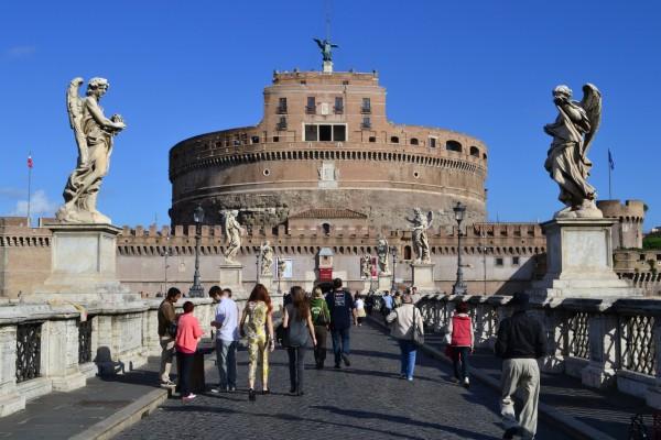 La vista del castillo desde el Ponte Sant'Angelo