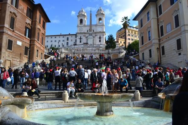 Fontana della Barcaccia y las escalinatas de Piazza Spagna