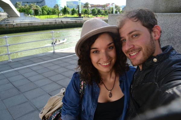 Con Jani, disfrutando una tarde por la costanera de la ría de Bilbao