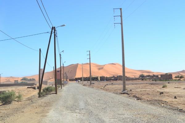 Ahí donde termina Merzouga, comienzan las dunas del Sahara