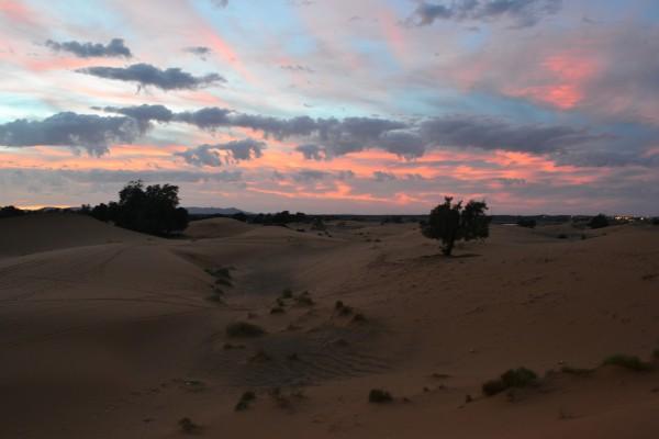 Un nuevo atardecer en el Sahara