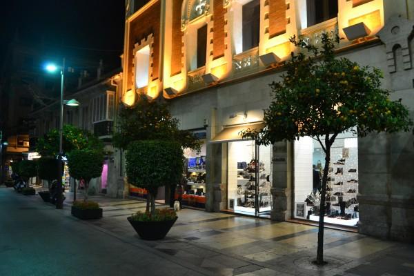 El hermoso enclave español de Ceuta, ya de noche