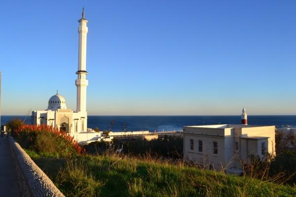 El Europa Point y la mezquita que se encuentra en la punta de Gibraltar