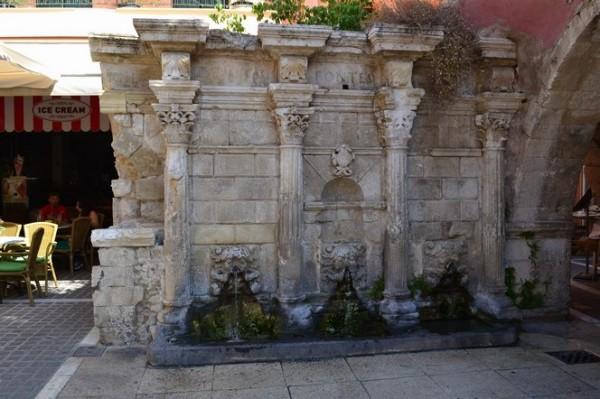 La famosa Fuente Rimondi, en Rethymno
