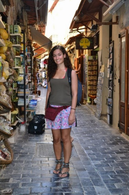 Jani caminando por el casco de Rethymno