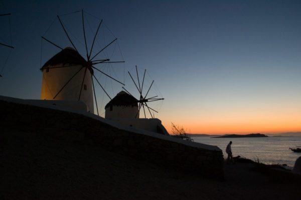 Los molinos de Mykonos, al atardecer
