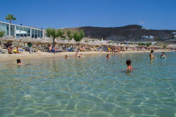 Paradise Beach, una playa preciosa que no es sólo fiesta