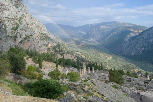 Delfos nos regaló este precioso arcoiris sobre el Monte Parnaso