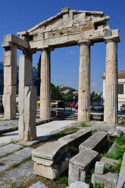 Puerta de Atenea Arquegetis. Agora Romana